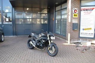 Triumph-Speed Triple 1050